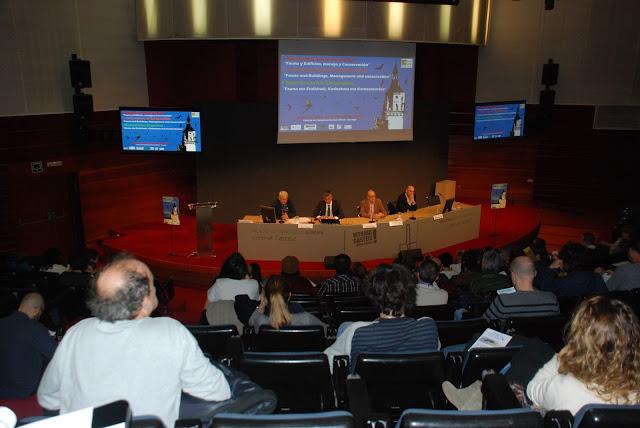 Primer Simposio Internacional Fauna en Edificios, Manejo y conservación (Vitoria-Gasteiz)